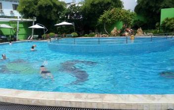 Hồ bơi TTTM BigC - Tân Bình